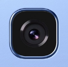 Facebook bug causes iPhone camera to activate in background